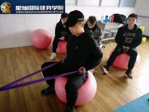 吕梁学健身教练培训得多少钱