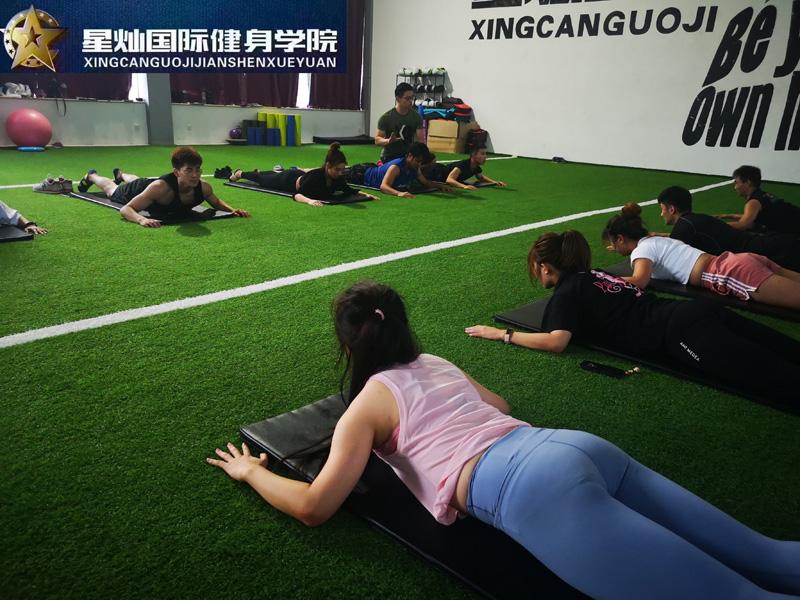 洛阳健身教练培训一般多少钱?