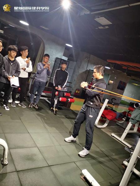 常德自己能考健身教练证吗?